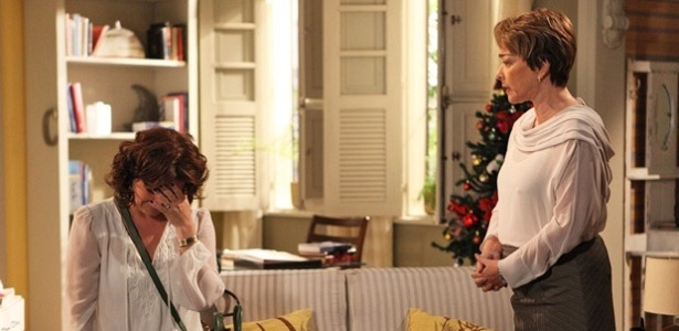 Da esquerda para a direita, Giovanna Antonelli e Nívea Maria em cena de