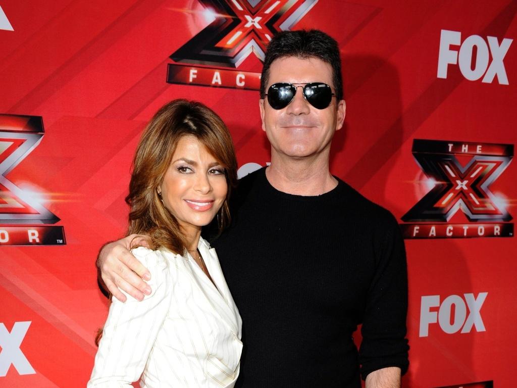 Paula Abdul e Simon Cowell em coletiva de imprensa sobre o reality show