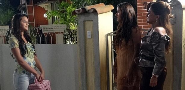 Da esquerda para a direita, Bruna Marquezine, Malu Stanchi e Elizangela em cena de