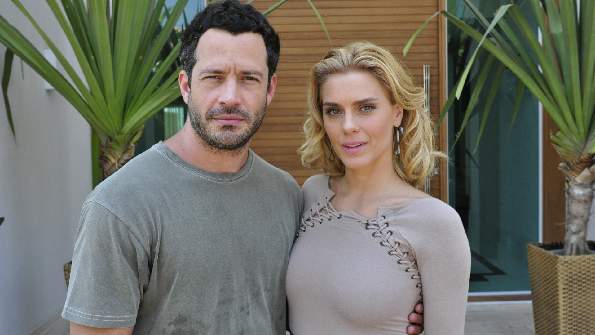 Malvino Salvador e Carolina Dieckmann so Quinz e Teodora em 