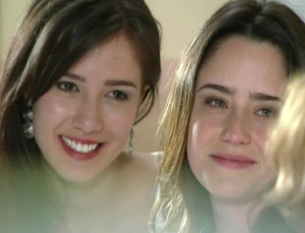 Ana e Manu dizem para Iná que ela é verdadeira mãe das duas