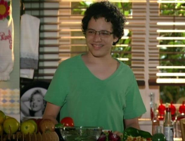 Francisco chama o vizinho para jantar em casa
