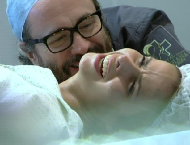Lourenço acompanha Celina no parto