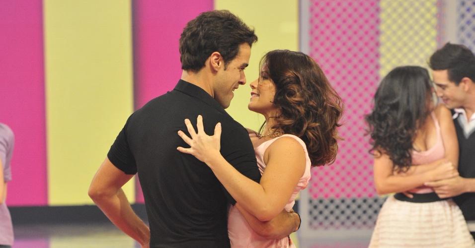 Joaquim Lopes e Samara Felippo no quadro