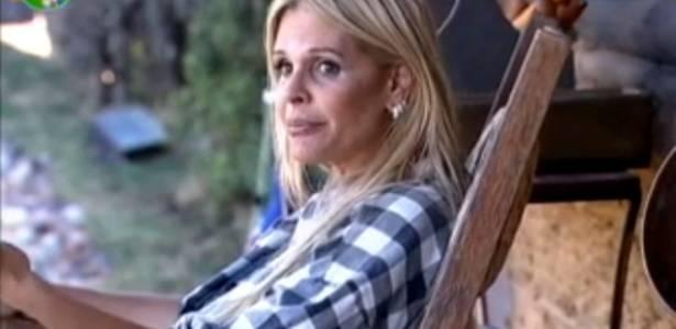 Antes de ser escolhida pelo público, Monique Evans divagou sobre as lhamas da fazenda: É um bicho hippie, certeza que deve gostar de um baseadinho