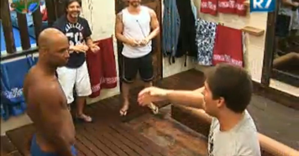 Peões improvisam funk o banheiro (31/7/11)