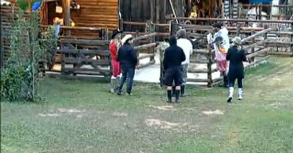 Caseiro Clébis esclarece dúvida dos peões na manhã desta quarta-feira (03/8/11)