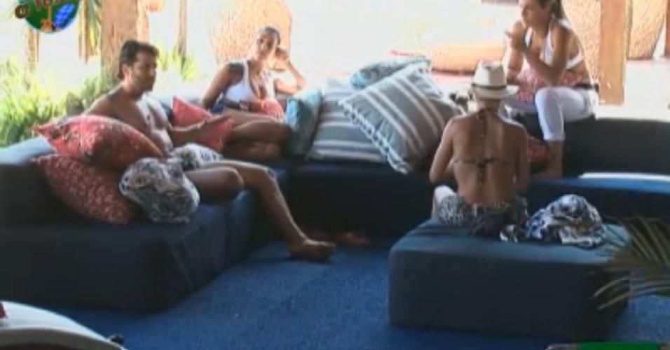 Equipe Ovelha tenta resolver a sdiferenças na tarde deste domingo (14/8/11)
