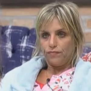 http://tv.i.uol.com.br/televisao/especiais/a-fazenda/2011/08/15/anna-markun-desabafa-com-raquel-pacheco-sobre-gui-padua-15811-1313392414421_300x300.jpg