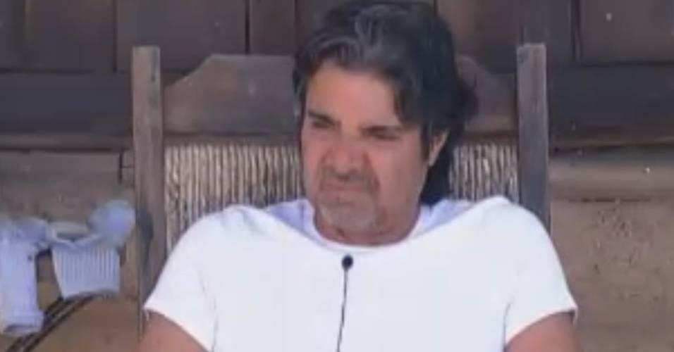 João Kléber descansa na varanda da Casa da Roça (17/8/11)