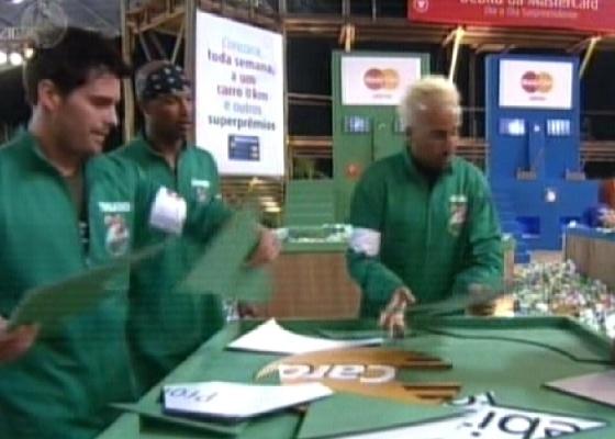 Thiago, Dinei e Gui na fase final da prova dos R$ 500 mil, vencida pelo grupo deles