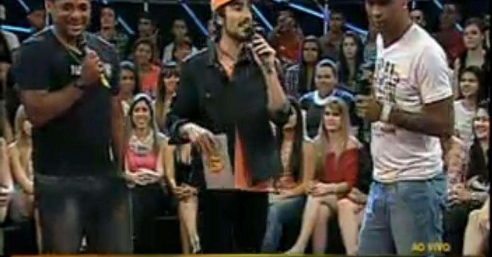 Marcos Mion recebe Dinei e Vampeta no Legendários (02/10/11)