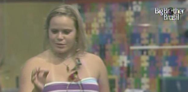 Paula conversa com Rodrigão, mas não esclarece nada para o resto dos