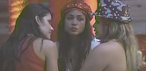 Paula diz para Talula e Maria que elas são as participantes que ela mais gosta (16/1/11)
