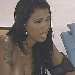Ariadna finalmente confessa que é transexual para Lucival e Daniel (18/1/11)