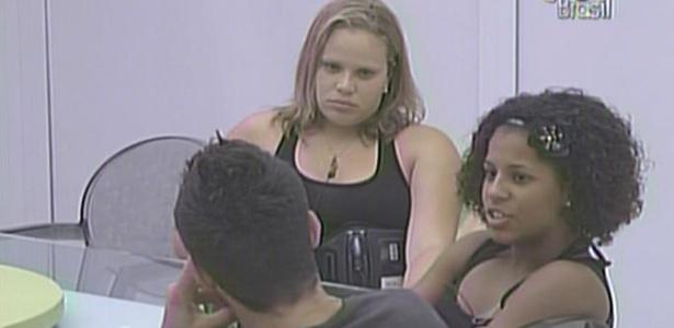 Eliminados da prova do líder, Cristiano, Janaína, Paula e Michelly relembram o início do programa (20/1/11)