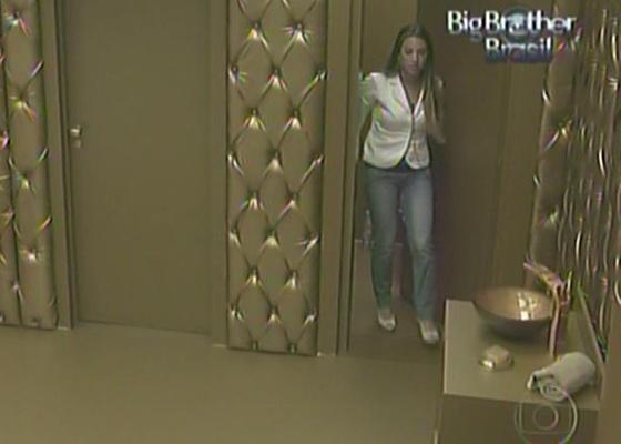 Michelly é a primeira 'hóspede' do quarto dourado (21/1/11)