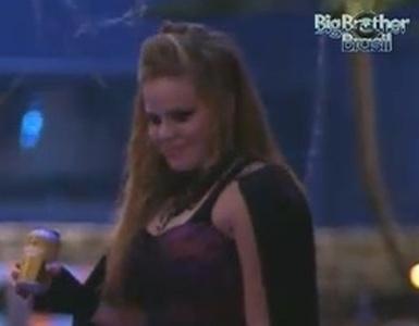 Paula diz para Critiano durante a Festa do Vampiro que não está apaixonada por ele (22/1/11)