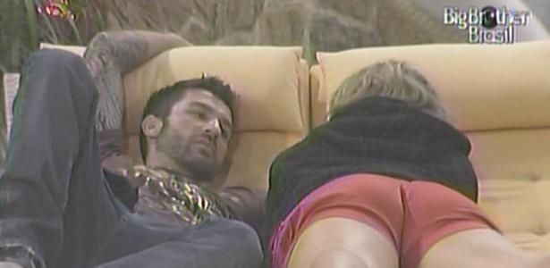 Cristiano aconselha Paula a não falar mais de Diogo e a não revelar seus votos (25/1/11)