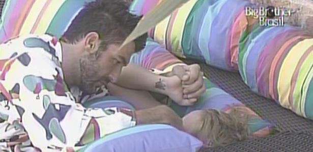 Cristiano consola Paula (25/1/11)