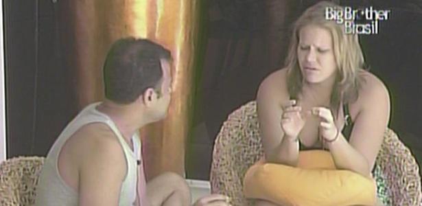 Paula afirma que não gosta que ninguém questione seus hábitos alimentares (25/1/11)