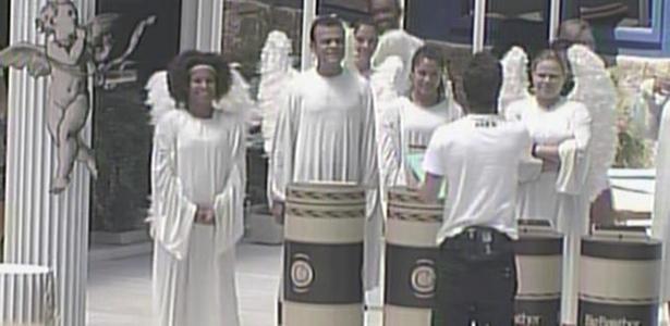 Daniel, Janaina, Maria, Paula, Rodrigo e Talula se organizam para prova do anjo (28/1/11)