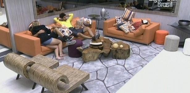 Igor, Cristiano, Rodrigão e Paula conversam sobre a formação do paredão surpresa (28/1/11)