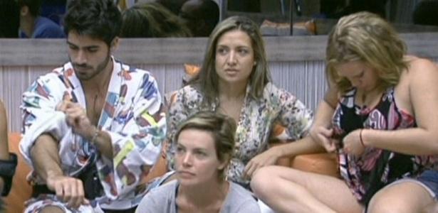 Rodrigão, Natalia, Paula e a emparedada Diana ouvem Bial (11/2/11)