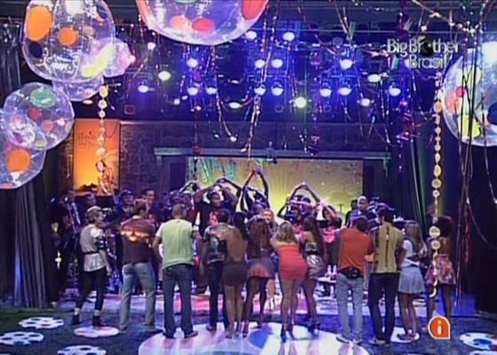 BBBs descobrem a surpresa da festa desta 4ª o show de Preta Gil (16