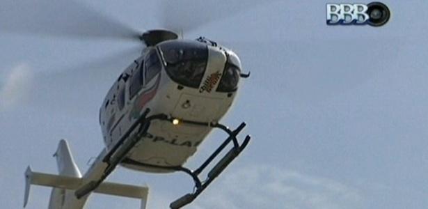 Helicóptero leva a