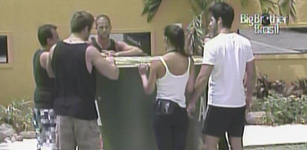Daniel, Diogo, Paula, Rodrigão, Talula e Wesley disputam a prova do anjo (18/2/11)