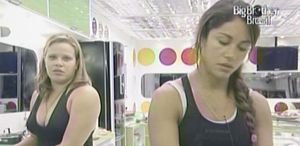 Paula afirma para Maria que está pensando em imunizar Mauricio neste domingo (20/2/11)