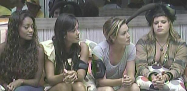 Jaque, Talula, Diana e Paulinha na formação do paredão deste domingo (27/2/11)