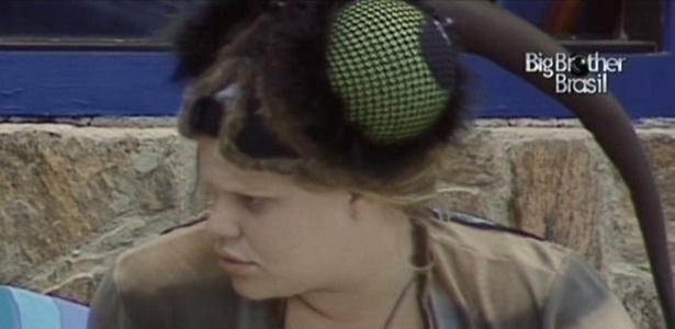 Paula fica em dúvida sobre a frequência em que acontecem anos bissextos