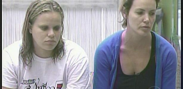 Após saírem do quarto do terror, Paula e Diana colocam Janaína no paredão (1/3/11)