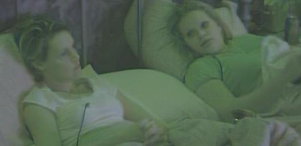 Diana conta para Paula que não se arrepende de ter beijado homens e mulheres no BBB11 (12/3/11)