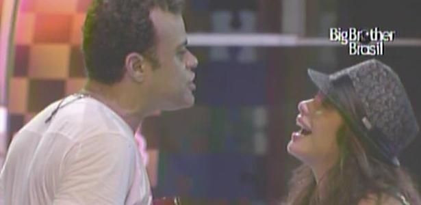 Maria chora muito ao dizer para Daniel que tem certeza da vitória do pernambucano (13/3/11)