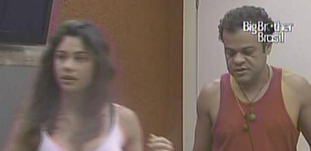 Daniel e Maria voltam para o quarto depois de escrever no raio-x (15/3/11)