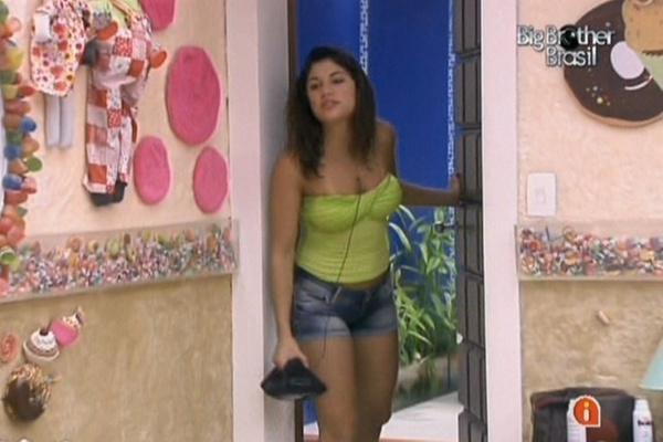 Maria acusa Daniel de ficar excitado ao seu lado e diz que nunca mais deitará ao lado do