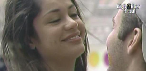 Maria nega um beijo ao Wesley, pois ele acabou de tomar café e ela não gosta do gosto (26/3/11)