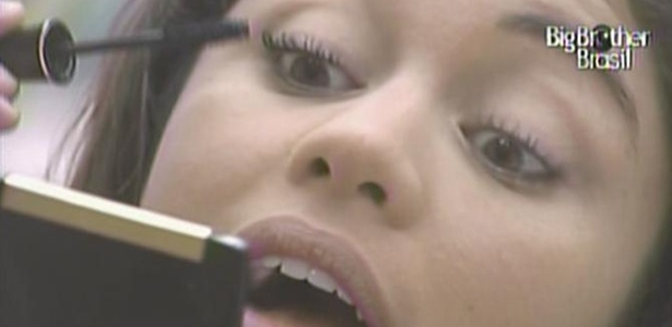 Maria se maquia para final do BBB11 (29/3/11)