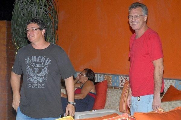 Boninho e Bial em restaurante (10/3/2010)