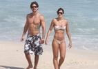 Talula e Rodrigo vão à praia no Rio