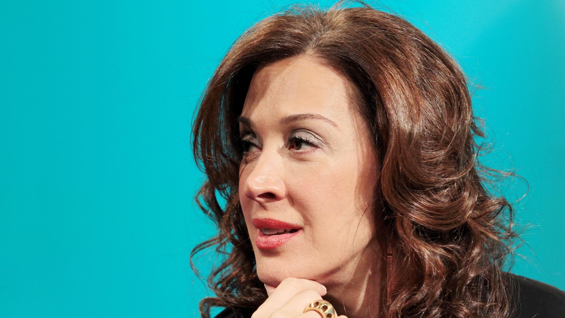 Claudia Raia participa do UOL Vê TV (03)
