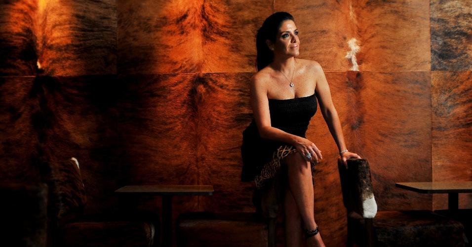 """A joalheira Lydia Sayeg diz que as participantes do reality ganharam dinheiro """"só pro cabeleireiro"""" (24/01/2012)"""