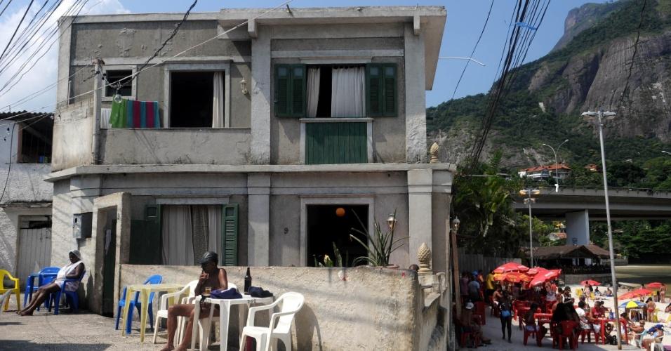 """A antiga casa da personagem Griselda, de """"Fina Estampa"""", fica na Av. do Pepê, Barra da Tijuca, zona oeste do Rio"""