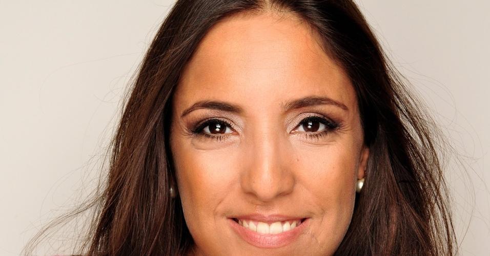 """""""Me expresso muito pelos olhos, sou assim na vida. Uma forma minimalista de ser"""", afirma Kátia Moraes"""
