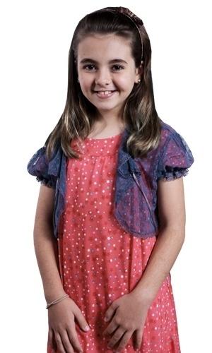 Klara Castanho é Clara. Caçula de Gabriel (Felipe Camargo), é meiga, inteligente e sensível. Possui dons ligados à espiritualidade