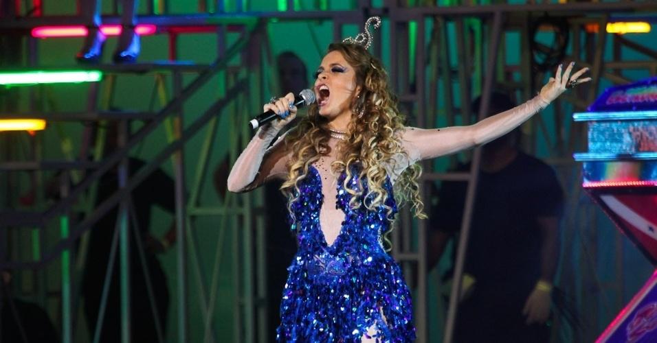"""A atriz Cláudia Abreu encarna Chayene, sua personagem em """"Cheias de Charme"""", nova novela das 19h, em evento da Globo"""
