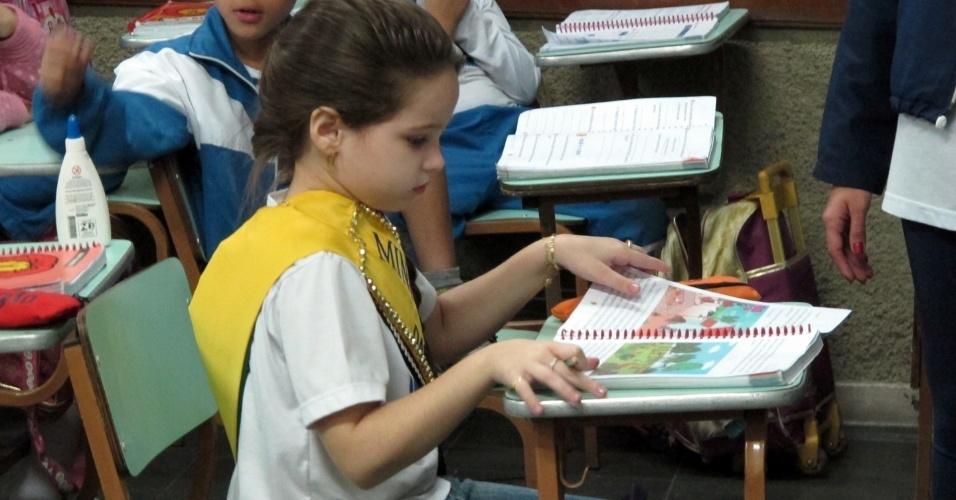"""A mini-miss Ana Clara, com sua agenda lotada de compromissos, está no primeiro episódio de """"Tabu Brasil"""""""